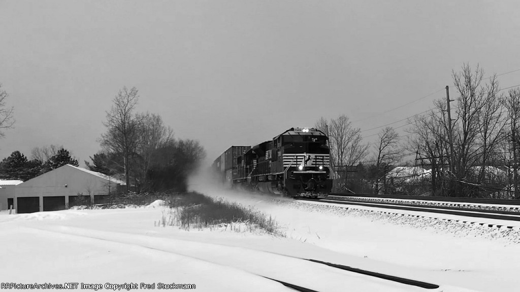 NS 7309 leads the sled.
