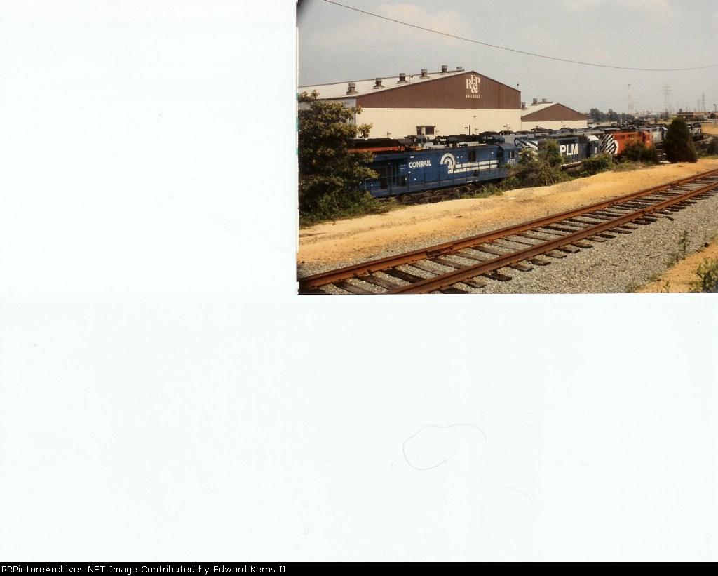 A Conrail C30-7A, PLM