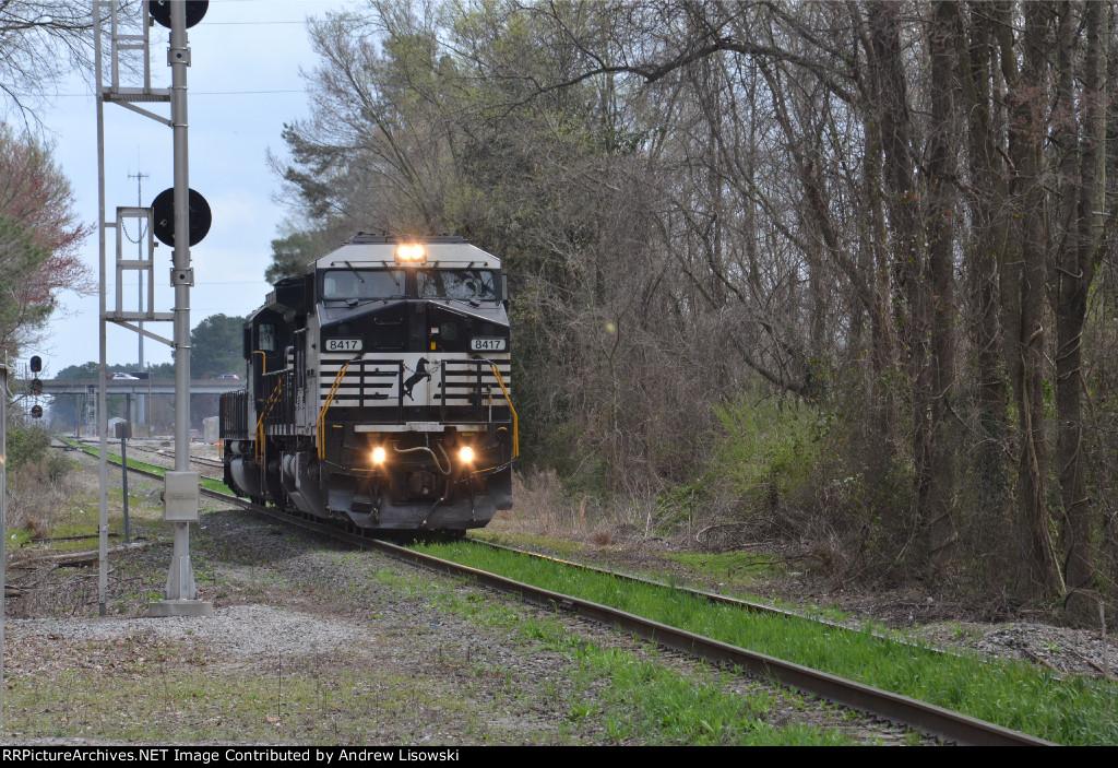 Norfolk Southern DASH8-40CW (C40-8W) 8417