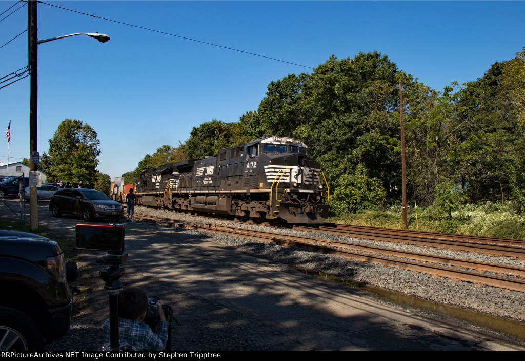 NS 20R leans into the curve as my son gets some shots in too.
