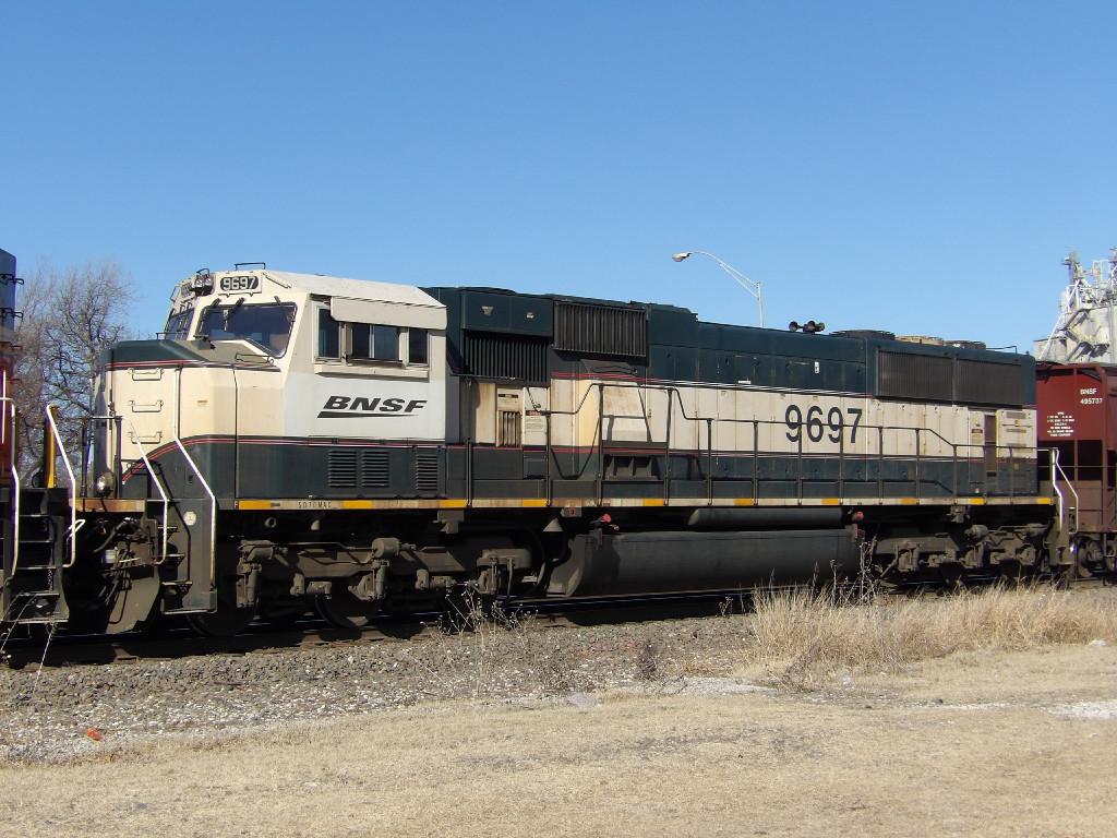 BNSF SD70MAC 9697