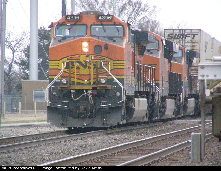 BNSF 4396