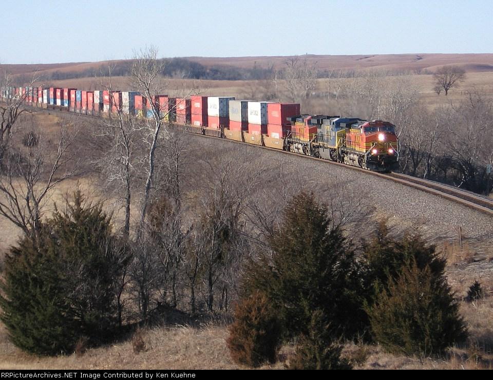 BNSF 4960 across the rolling prairies
