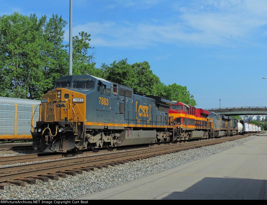 CSX 7883 KCSM 4761, CSX 807, CSX 761