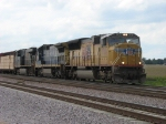 UP 3935 and CSX power