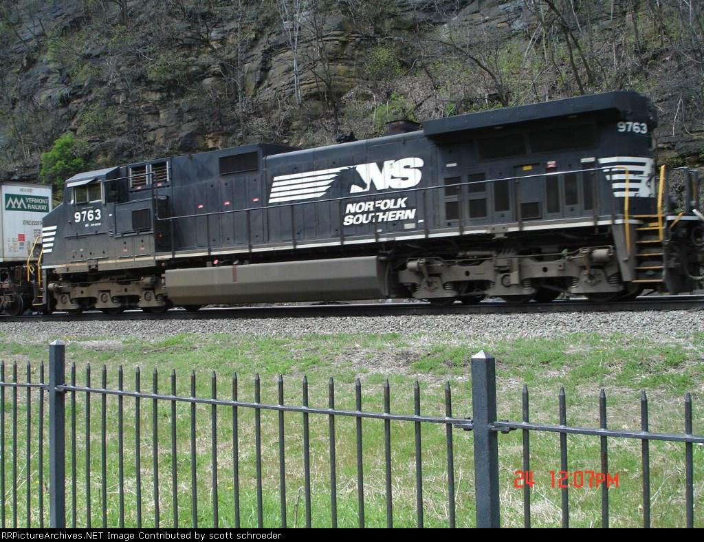 NS 9763 trails long hood forward EB