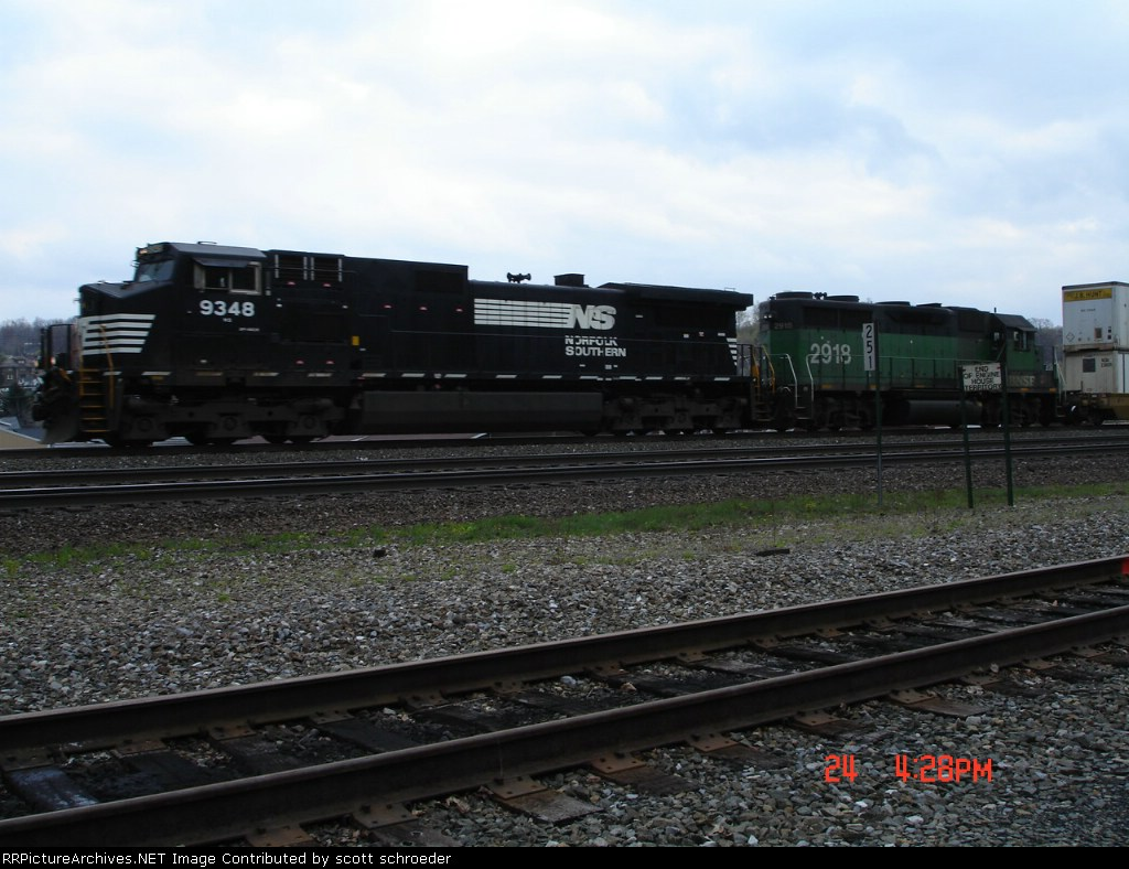NS 9348 & BNSF 2918 pass MP 251 heading EB