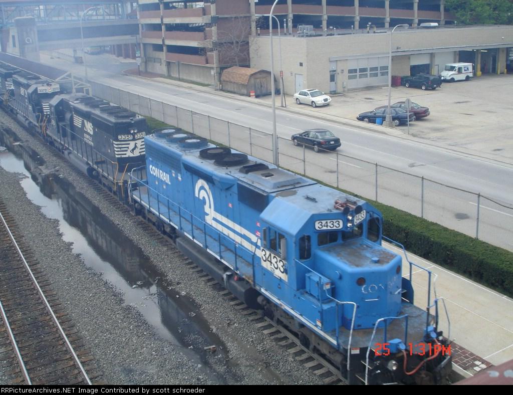 NS 3433, NS 3351 & NS 3372 push a steel slab Gondola Train WB