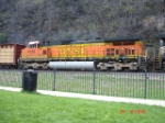 BNSF 4356 runs backwards on NS Train 11J EB