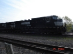 NS 9657 & NS 8868 head WB w/NS Train 11A