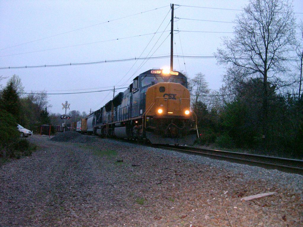 CSX 4757 Crossing Hollow Rd