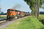 BNSF 605 Leads a mixed freight up the Hannibal Sub.