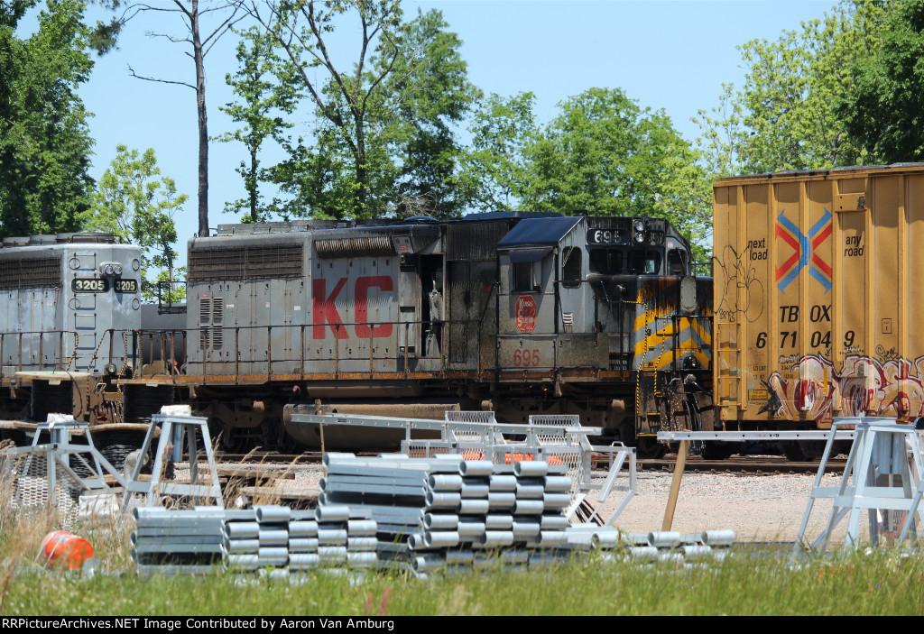 KCS 695 (2)