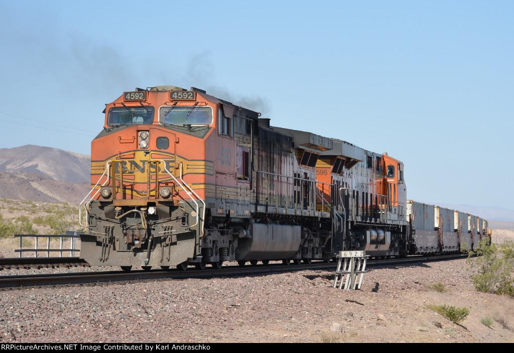 BNSF 4592