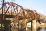 Through truss swing bridge