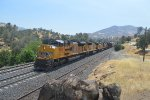 UP 8647 Leads the MWCRV over Tehachapi Pass