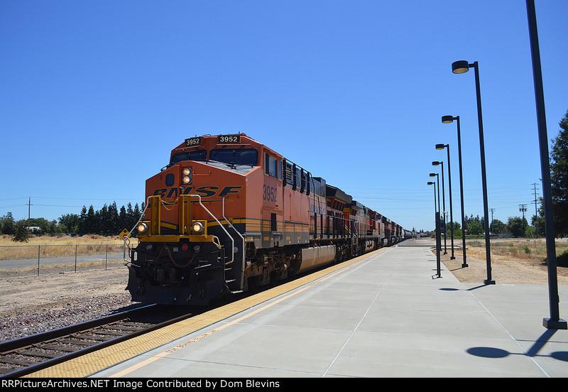 BNSF 3952