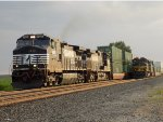 NS 9426 and NS 1068 (Erie Heritage Unit!)