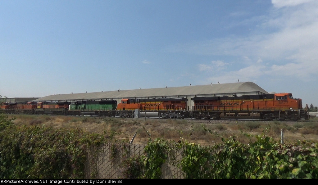 BNSF 6877