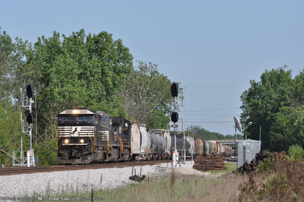 NS 6939 On NS 174 Northbound At Wayne Yard