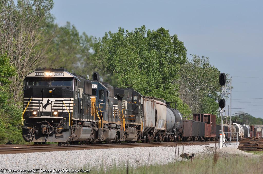 NS 6982 On NS 144 Northbound At Wayne Yard