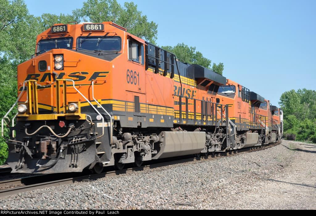 Eastbound intermodal rounds the curve