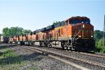 Intermodal rolls east with plenty of power
