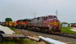BNSF 654 and 279
