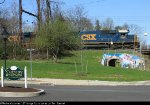 CSX 8661 on Q418 passing the Yardley station sign
