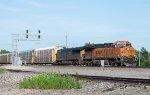 CSX and BNSF team up to move autoracks west