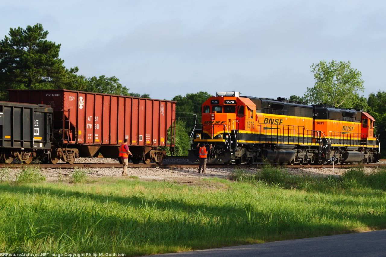 Fifteen to the hitch BNSF 1576