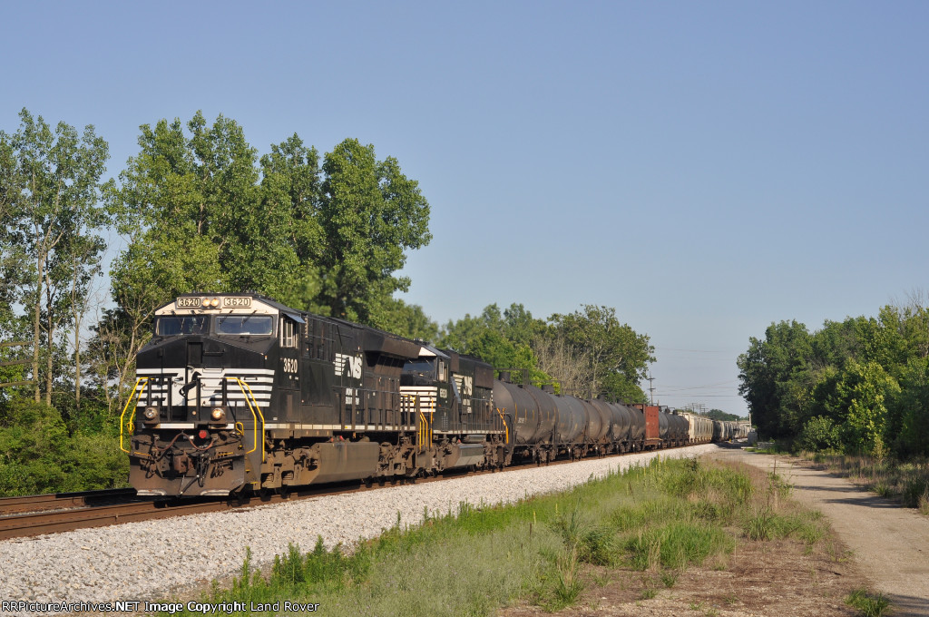 NS 3620 On NS 174 Northbound At Wayne Yard