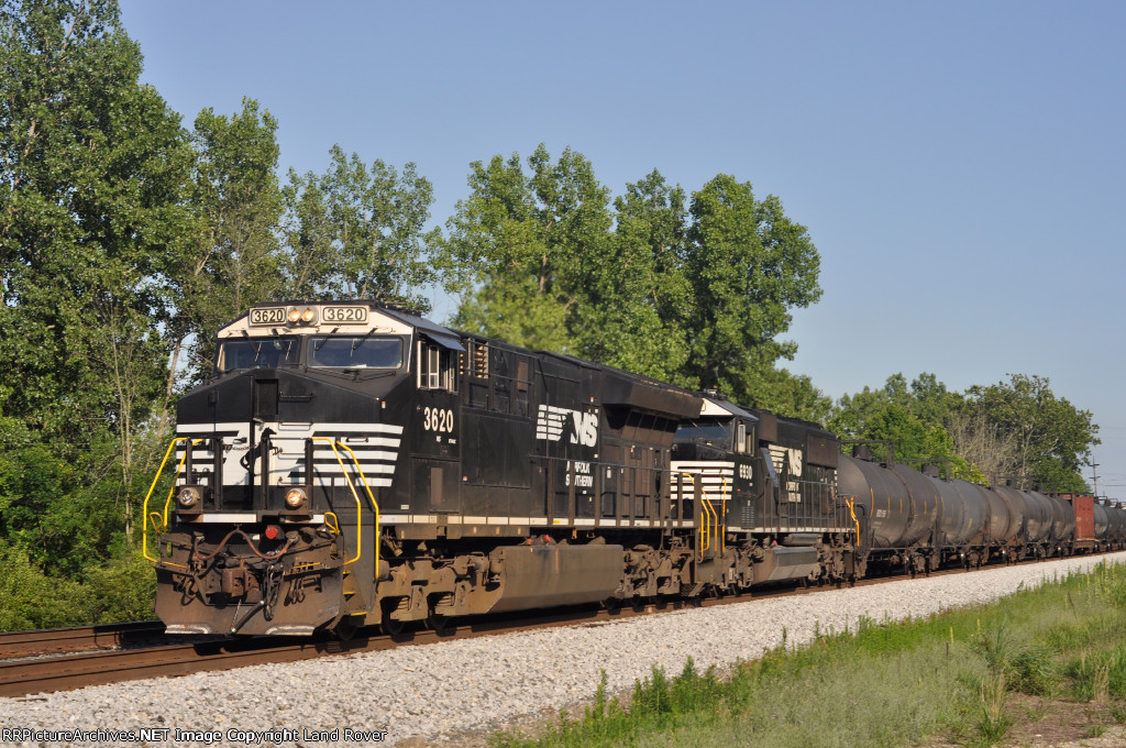 NS 3620 On NS 174 Northbound