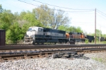 BNSF 9535 leads basin empties