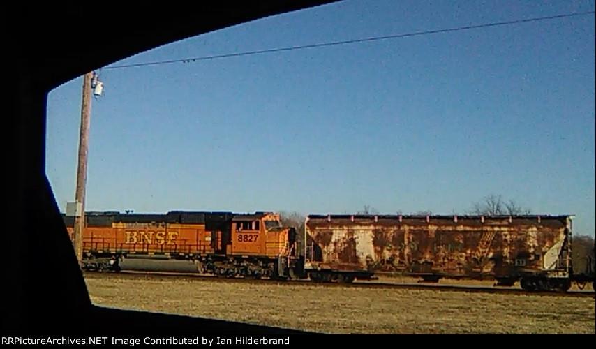 BNSF 8827 and a SOO Hopper