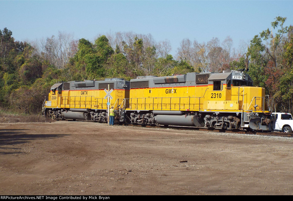 A pair of GP38-2s