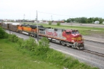 BNSF 670 waits for a crew