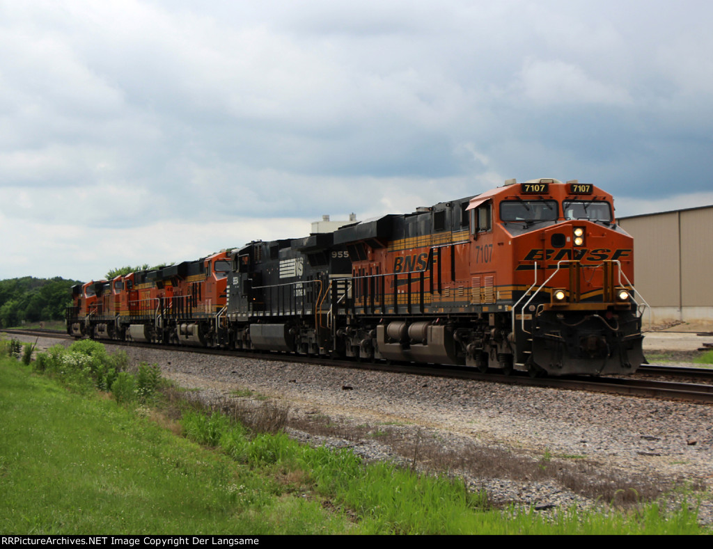 BNSF 7107