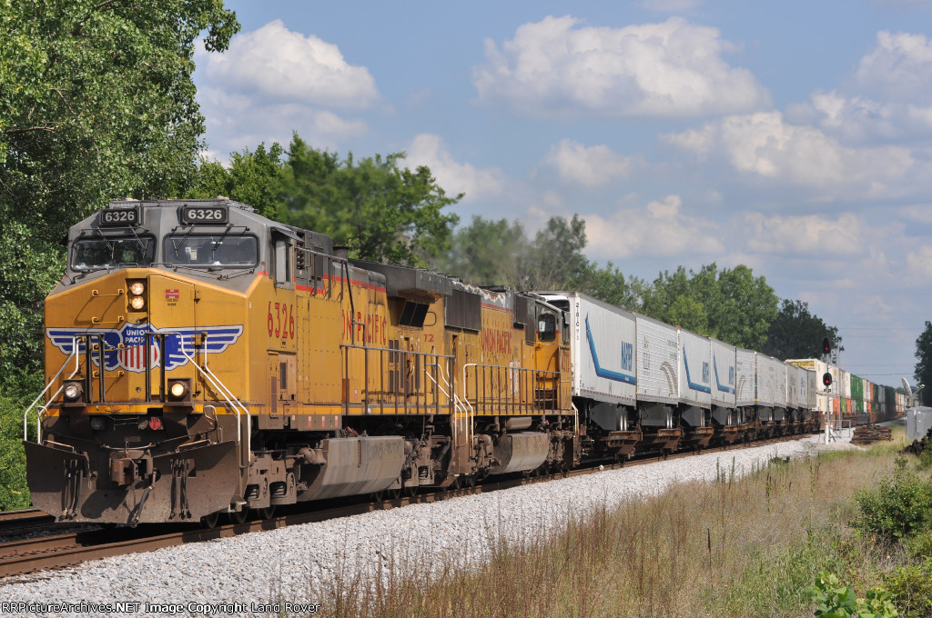 UP 6326 On NS 216 Northbound