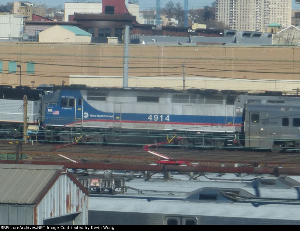 Metro-North F40PH-3 4914