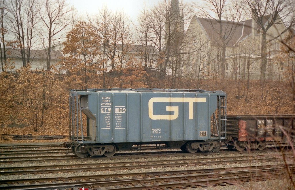 GTW 111109 Covered Hopper