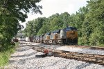 CSX 940 leads a 7-unit mix of power