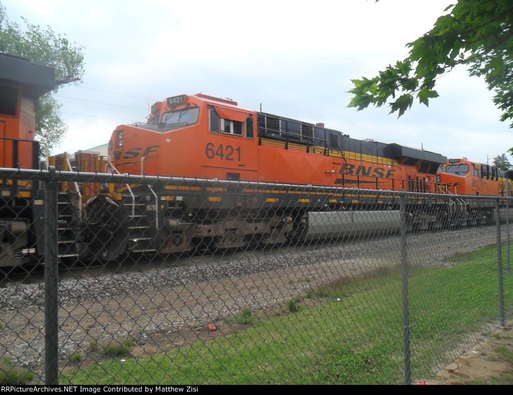 BNSF 6421 8252