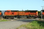 BNSF 523 on the Memphis local out of LR port