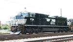 NS 2766 leads train P30