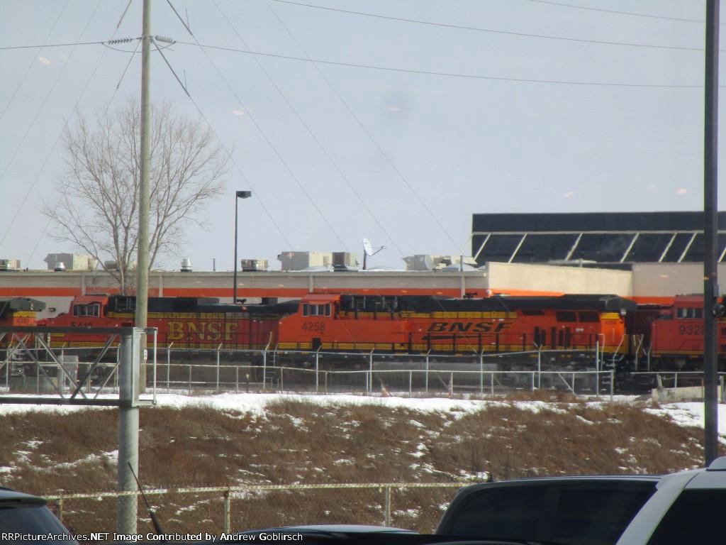BNSF 4258
