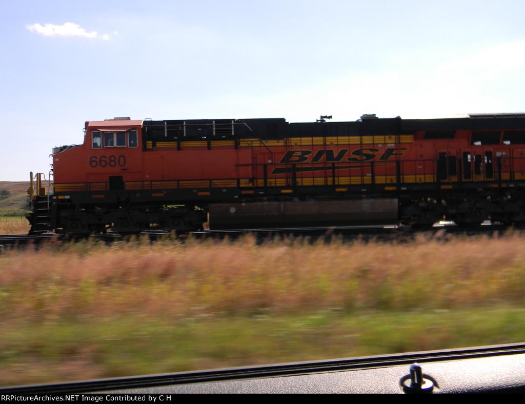 BNSF 6680