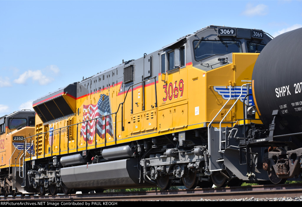 UP 3069 at the Dalles Oregon waiting for a High Ball to Go West.