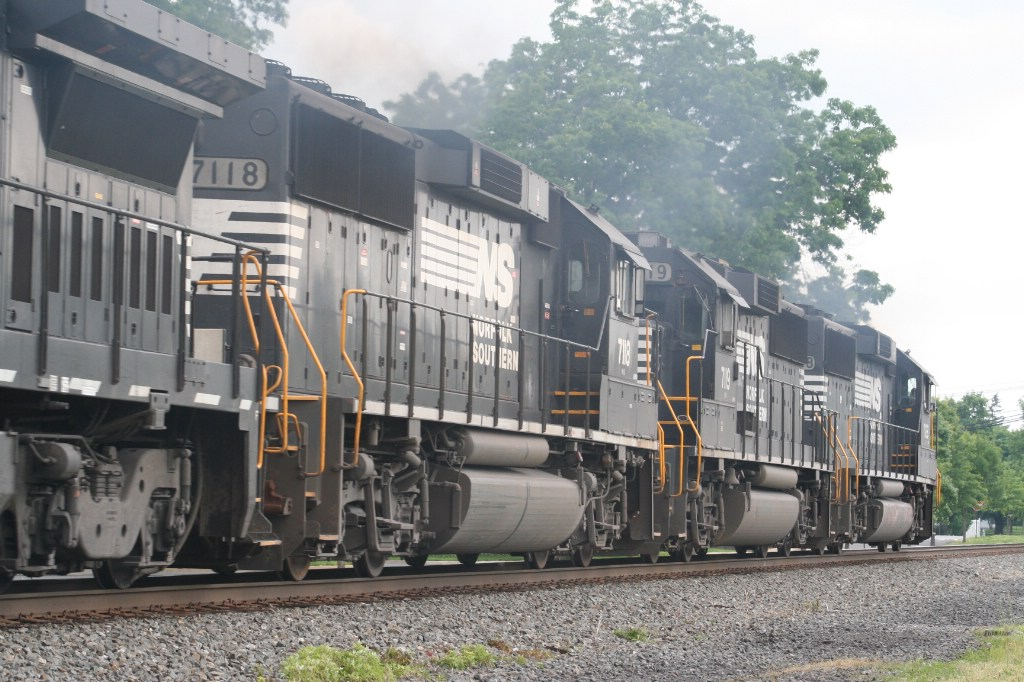 Trailing Engines On NS 24V