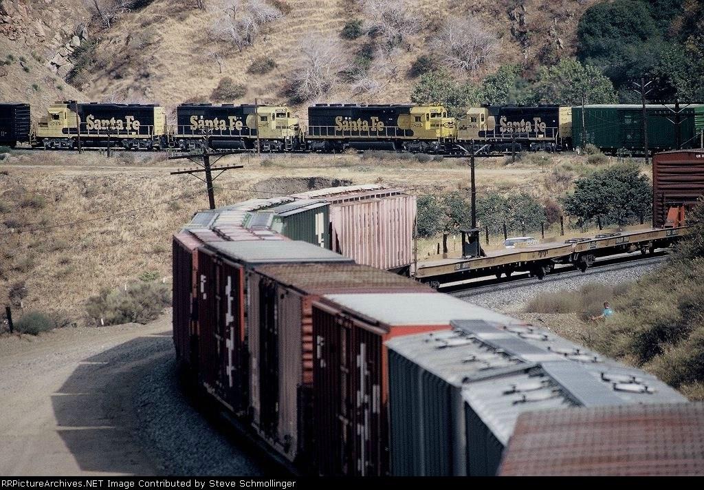 Helper set on Santa Fe uphill approaching tunnel 5